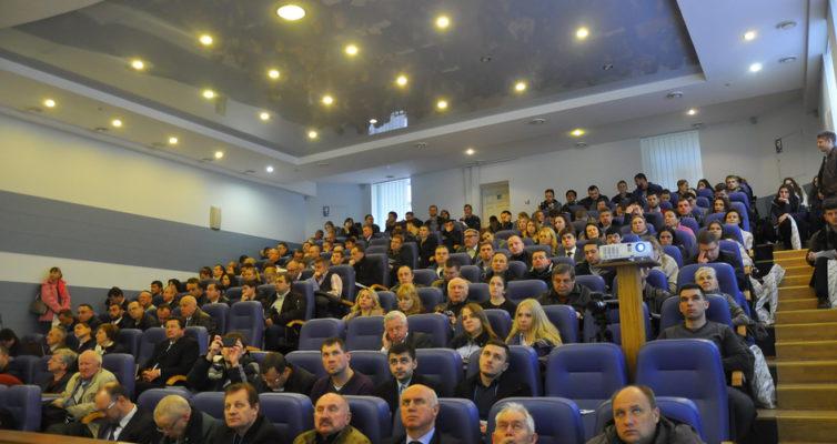 Проходить Науково-практична конференція із міжнародною участю «Актуальні питання загальної та невідкладної хірургії», присвячена 80 річчю кафедри загальної та невідкладної хірургії НМАПО імені П.Л.Шупика